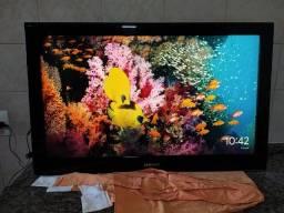 """TV Samsung 42"""" Plasma em excelente estado, controle e suporte de parede"""
