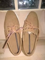 Sapato mocassim em couro