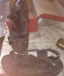 Sandália alta cor preta