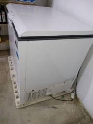 Vendo refrigerador Consul 309 litros pouco meses de uso ainda na garantia