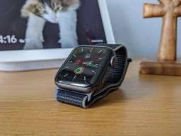 Apple Watch S5 44mm (Lacrado) R$2.790,00 ou 12x R$262,00