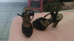 Vendo sandália seminova numeração 36