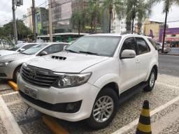 Vendo Toyota Hilux SW4 - 2012
