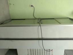 Freezer da marca Fricon horizontal 2metros