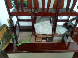 Mesa com tampão de vidro