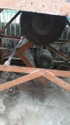 Mesa de de corte madeira proficional so o motor dela tem que dar uma olhada 220w
