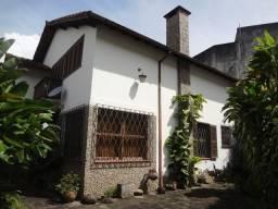 Casa 04 quartos Rua Teresa -Petrópolis/RJ