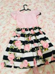 Vendo vestido infantil em perfeito estado tamanho 06