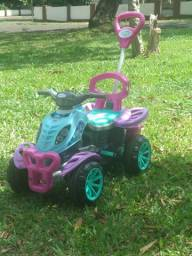 Carrinho de Passeio Infantil Empurrador Pedal Criança Menina