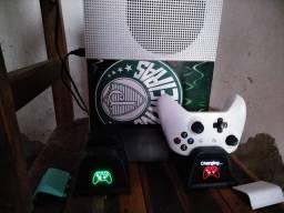Xbox one s com controle e hd externo de 1tb