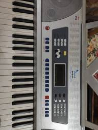 Vendo teclado eletrônico