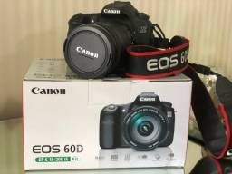 Canon 60D . Impecável . Lente 18-200 Canon
