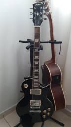 Guitarra, pedaleira, amplificador