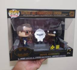 Funko Pop Batman and Commissioner Gordon #291 Light Up