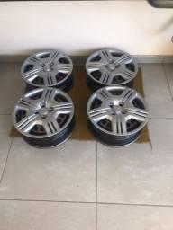 Calotas rodas de ferro do Honda Fit aro 15 e 2 pneus