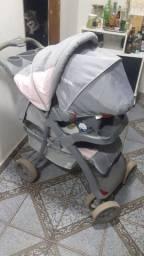 Carrinho de bebe com bebe conforto