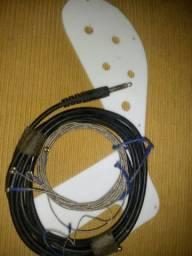 Escudo Rickenbacker Cordas. Cabo P10 2m