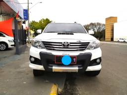 Toyota Hilux SW4 SRV 4x4 ano 2015 Diesel 7 lugares