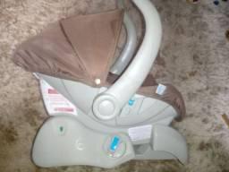 Bebê conforto novinho com base e capa Extra
