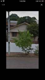 Vendo terreno de 300m2 com 2 casas