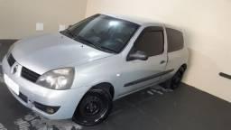 Renault Clio Authentique 1.0 16V Hi-Flex em Bom Estado