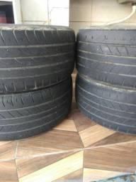 Vendo 4 pneus em bom estado