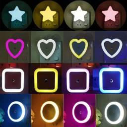 Luminária automática, vermelha, amarela, branco e azul