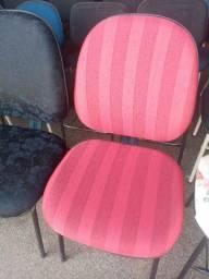 Cadeira reformada (nova) fixa, vermelha