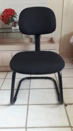 Cadeira fixa para recepção