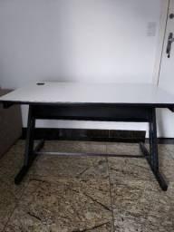 Mesa de escritório - Home Office