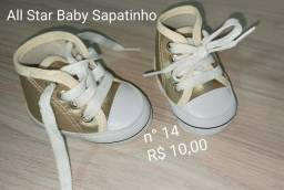 Tênis sapatinho dourado bebê