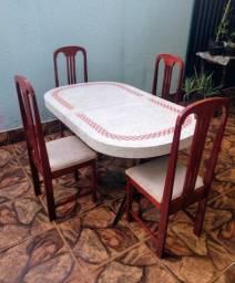 Jogo de Mesa Simples com 4 Cadeiras