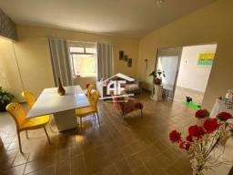 Ótima casa com 3 quartos sendo 1 suíte - Localizada no Benedito Bentes