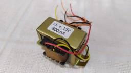 Transformador 110 - 220 / 15 + 15V, 800mA