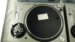 Vendo par de tocadisco technics sl1200 mk5 pintura original