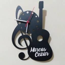 · Relógios Personalizados em MDF