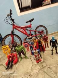 Bike e bonecos usados..