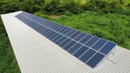 Painel Solar Fotovoltaico com 72 módulos.