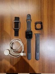 Vendo Apple Watch 3 42 mm versão GPS como novo