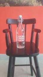 Vendo garrafa de vidro para água