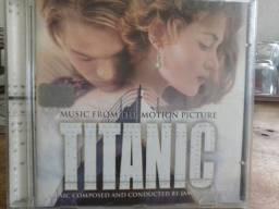 CD com a trilha sonora do filme TITANIC