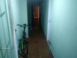 Alugo quarto mobiliado em Recife.