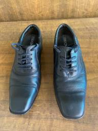 Sapato Preto Ferracini 37