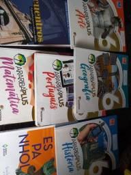 Vendo esses 7 livros araribas Plus 6° ano novinho