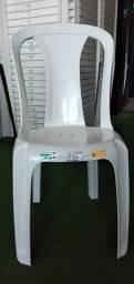 Cadeira de plástico bistrô Ametista 182kg