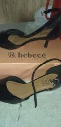 Sandália bebece nova na caixa