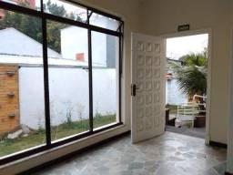 Casa comercial. 4 dormitorios. 6 vagas na garagem. Jardim - Santo André
