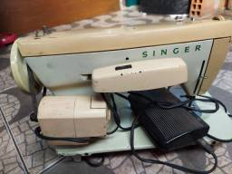 Máquina de custura Singer