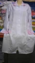 Jaleco com detalhes em renda na cor rosa whats 991785215