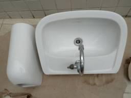 Pia com coluna para lavabo